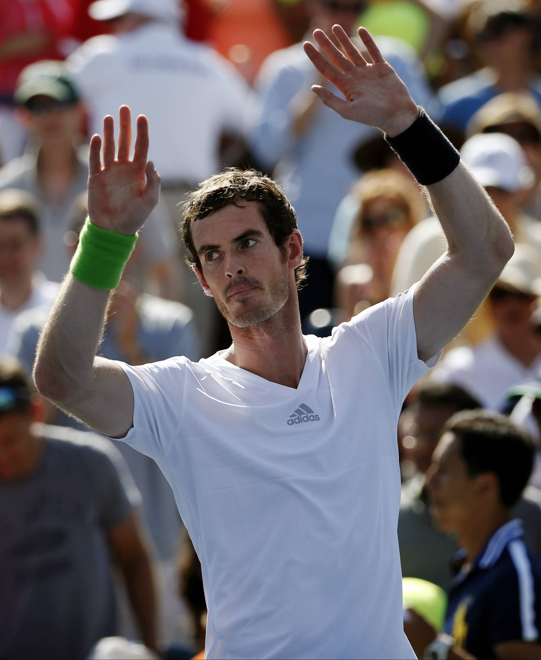 Andy Murray waves to the crowd after defeating Robin Haase on Monday during the opening round of the U.S. Open in New York.