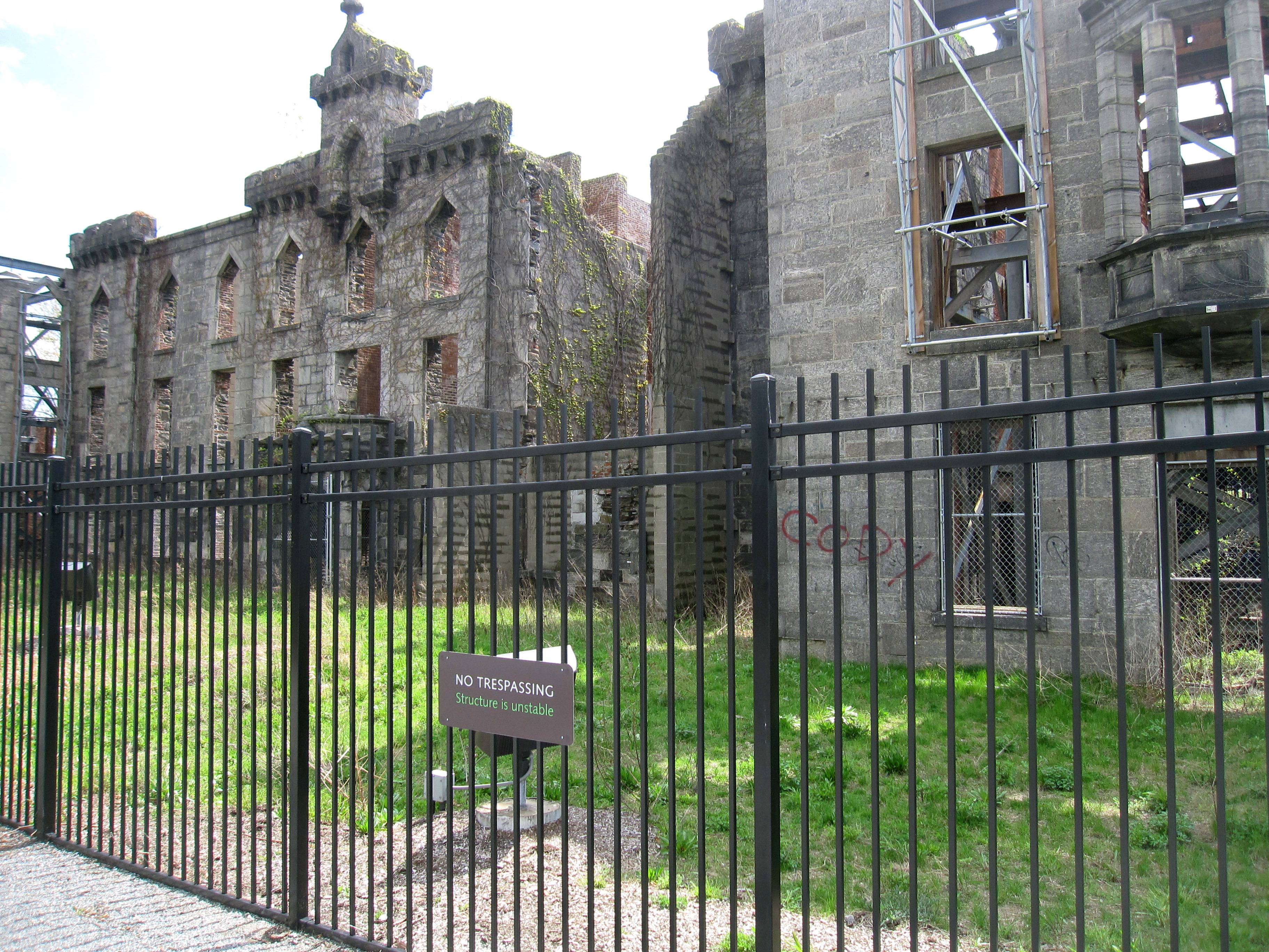 The Renwick Ruin at Franklin D. Roosevelt Four Freedoms Park in New York is a former smallpox hospital that opened in 1856 and was abandoned in the 1950s.