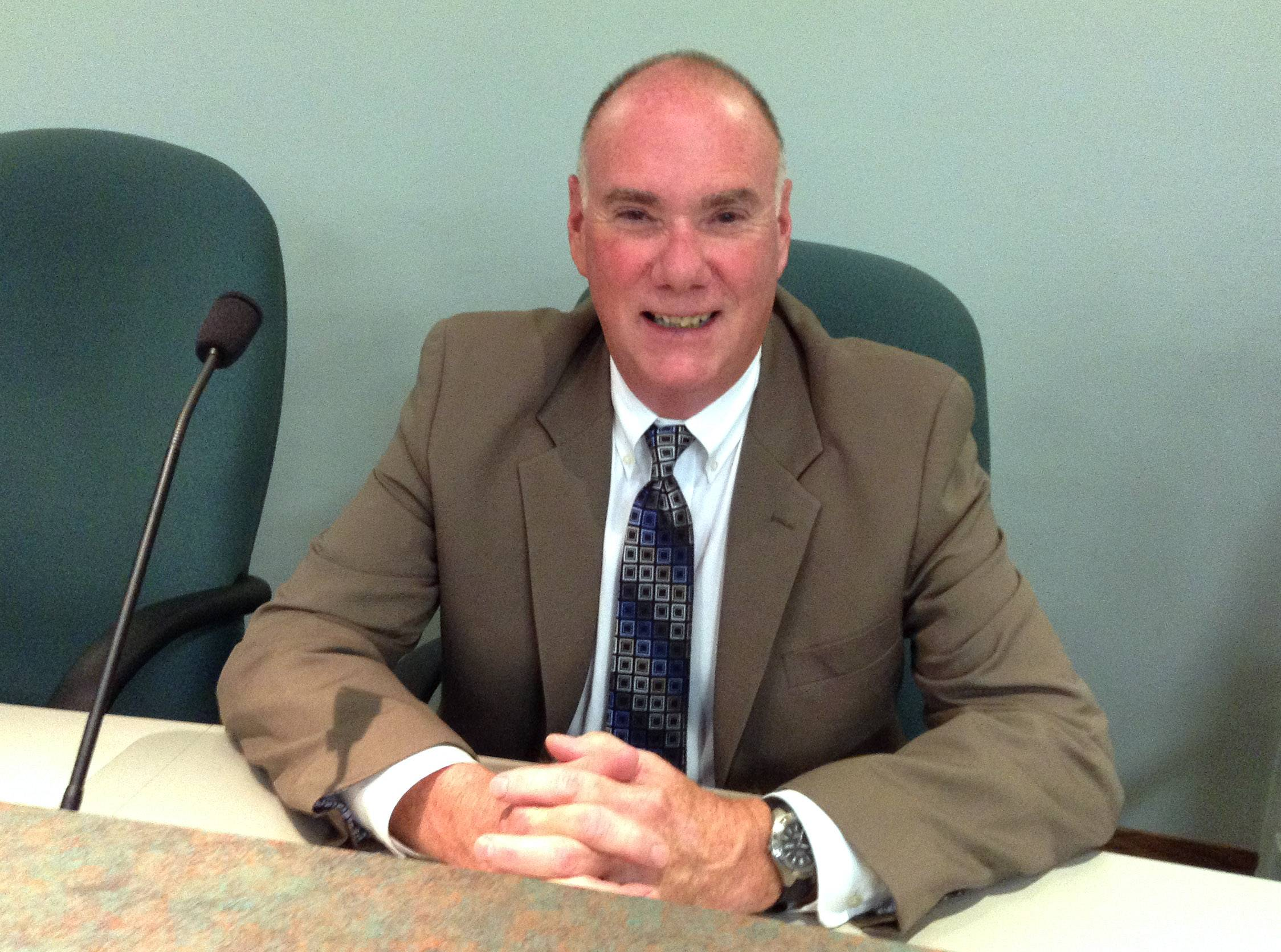 Bank executive appointed to Libertyville village board