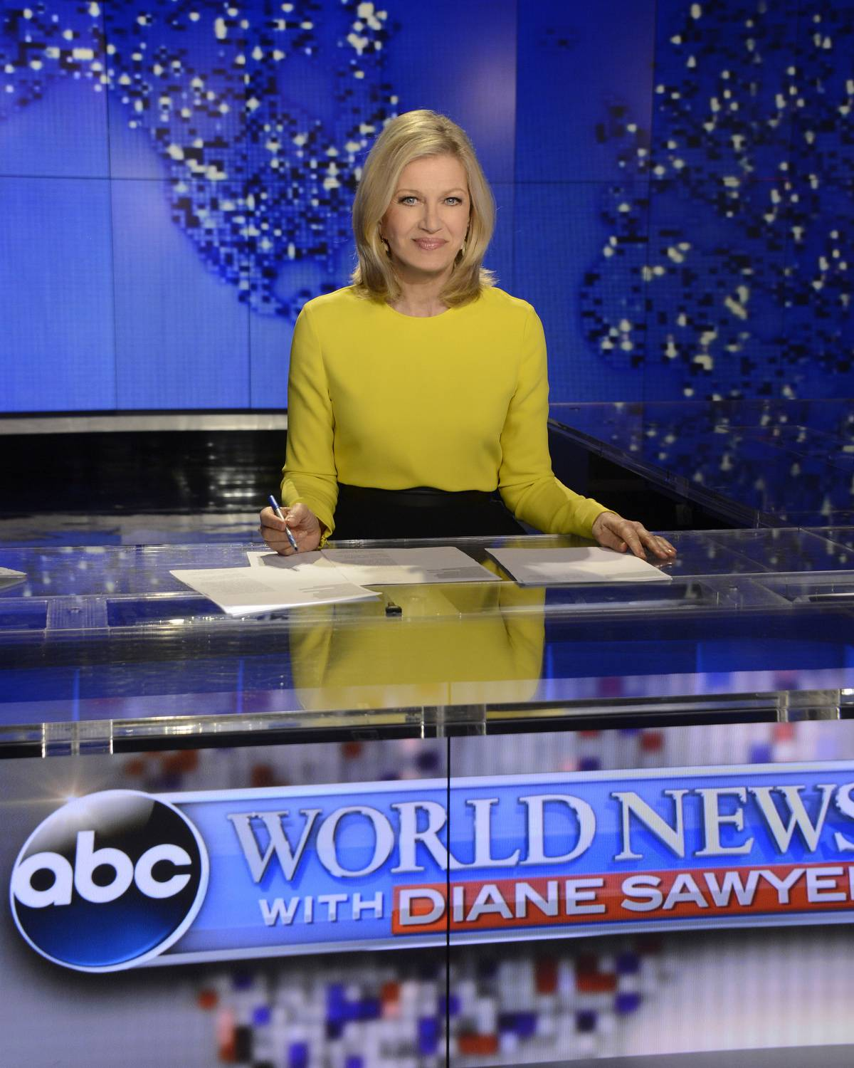 "Diane Sawyer signs off on her last broadcast as anchor of ABC's ""World News"" in New York. Sawyer told viewers that it has been wonderful to be the ""home port"" of the network's news team each weeknight. She will be replaced next week by David Muir."