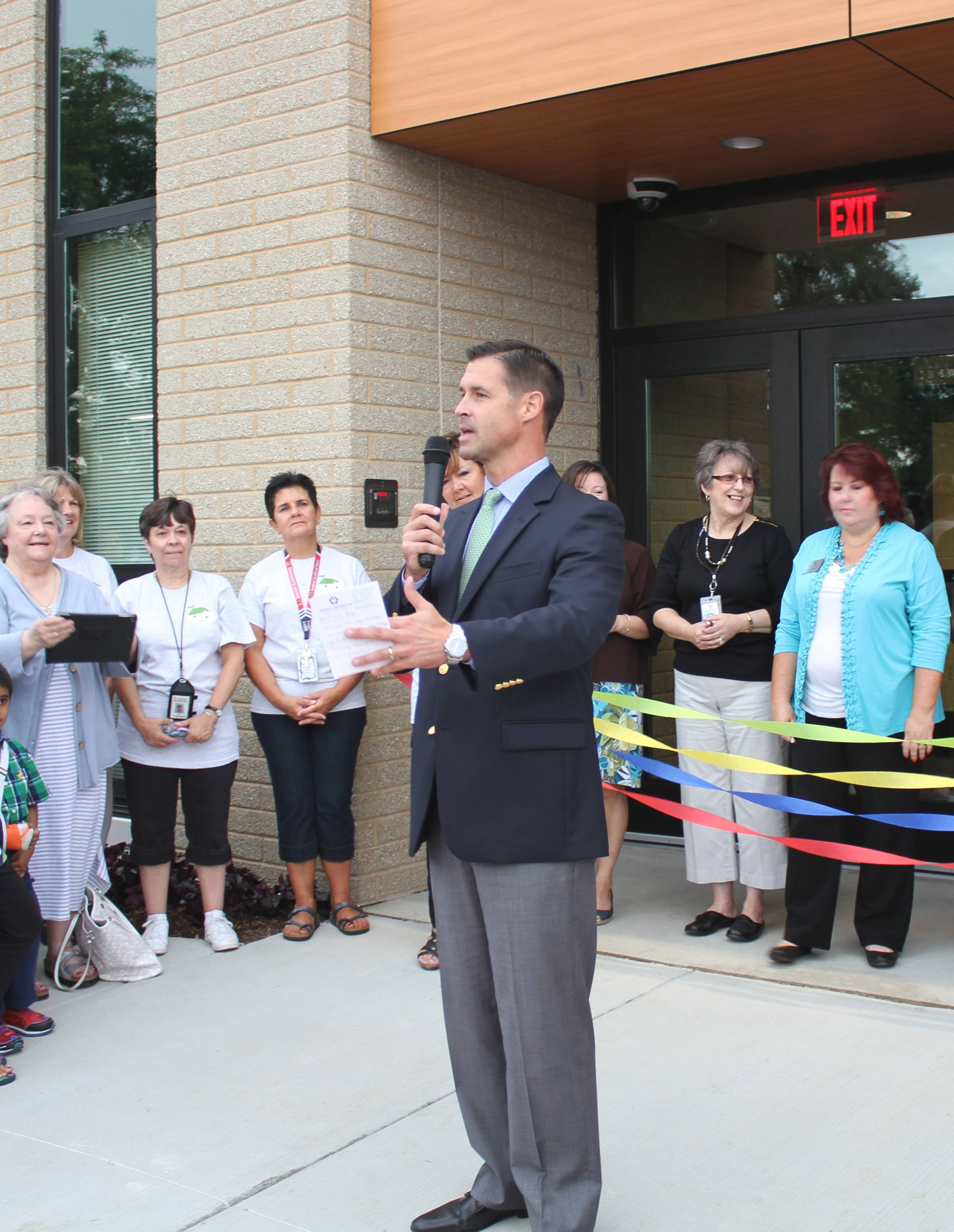 Superintendent Andrew DuRoss thanks those who helped bring the new Early Learning Center to fruition.