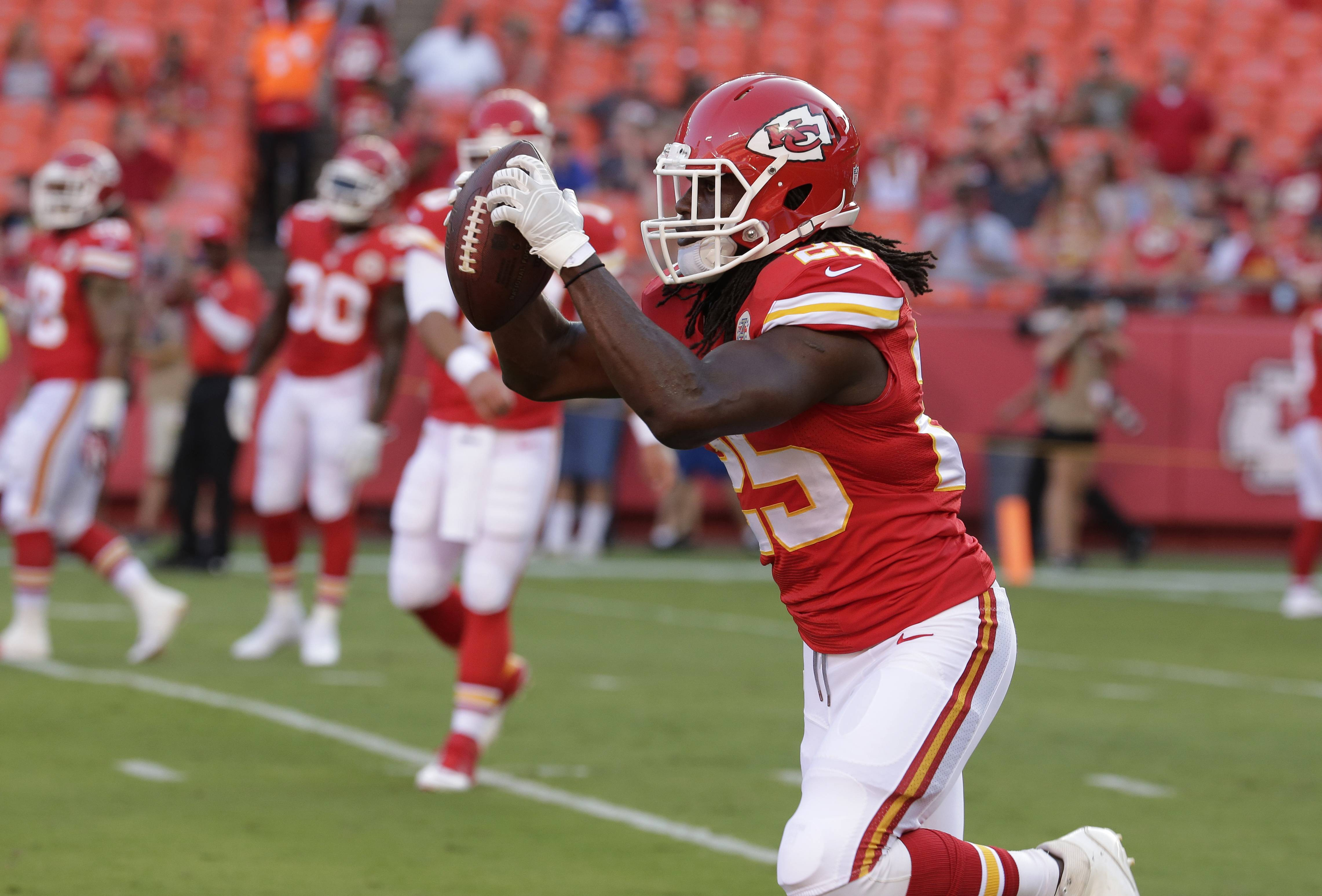 Jamaal Charles will try to become the first RB since LaDainian Tomlinson in 2006-07 to score the most fantasy points in back-to-back seasons.