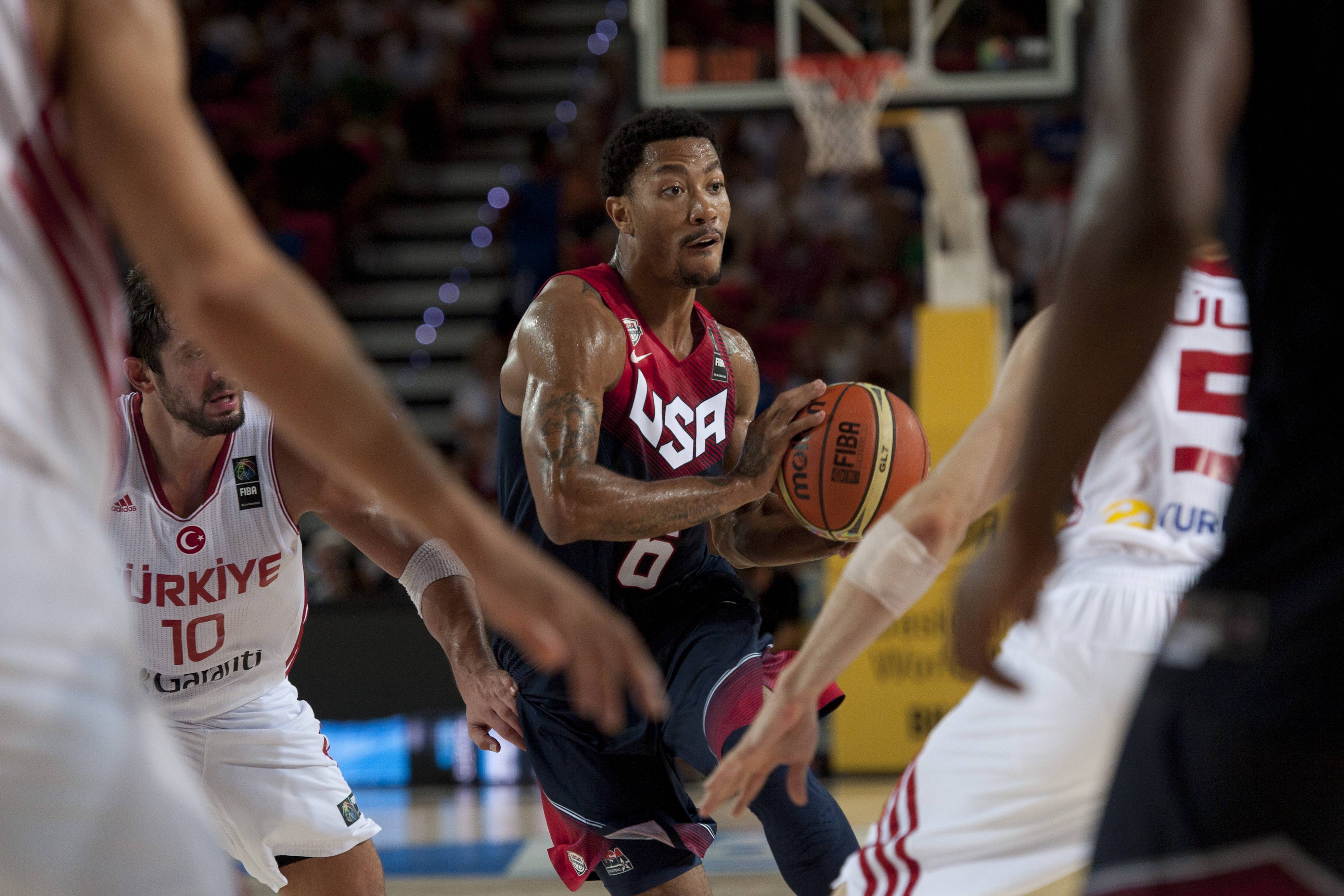 Bulls star Derrick Rose controls the ball for the U.S. during the Group C Basketball World Cup match, against Turkey, in Bilbao northern Spain, Sunday, Aug. 31, 2014. The 2014 Basketball World Cup competition take place in various cities in Spain from last Aug. 30 through to Sept. 14.