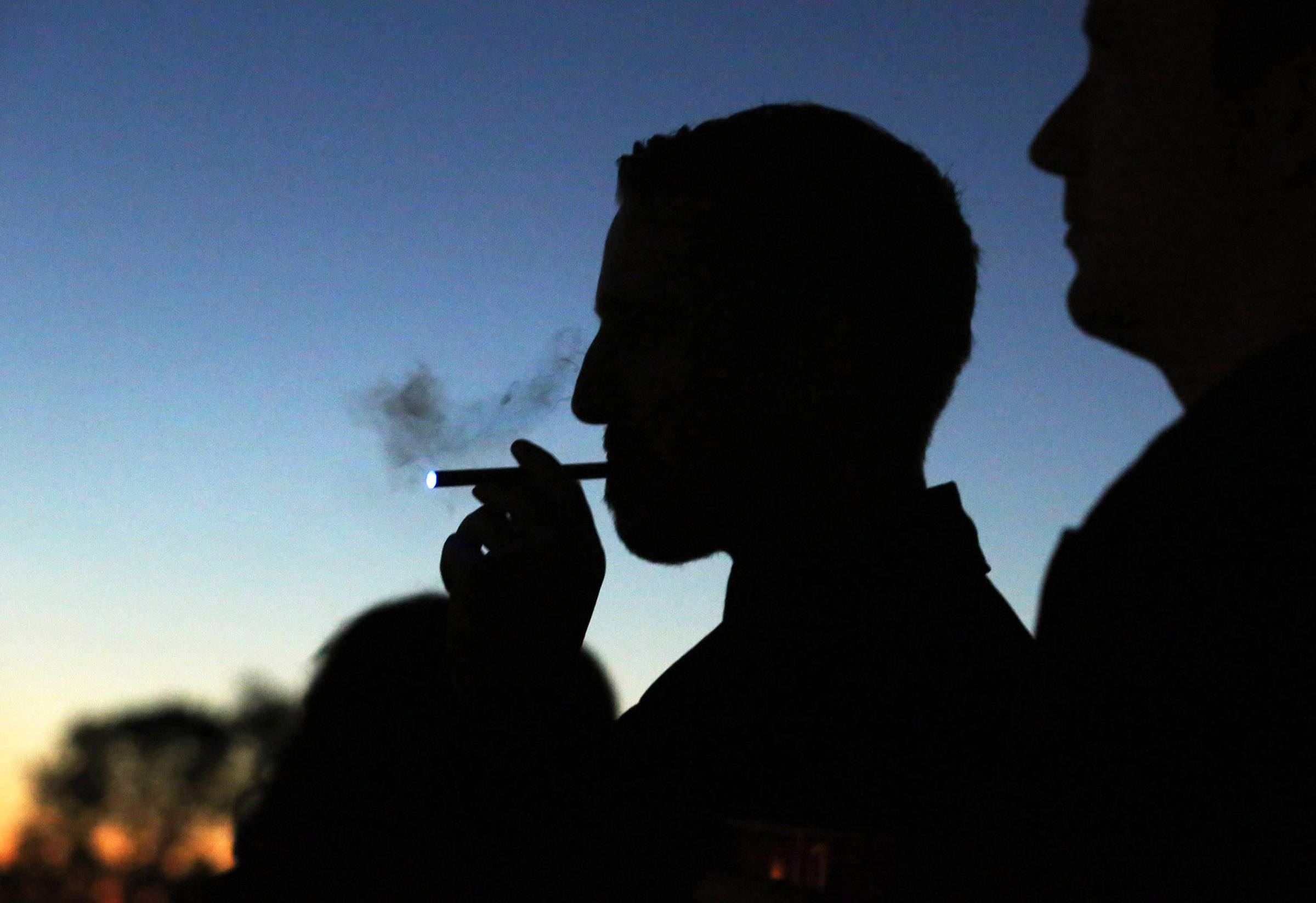 CDC: e-cigarettes more cause youths to smoke