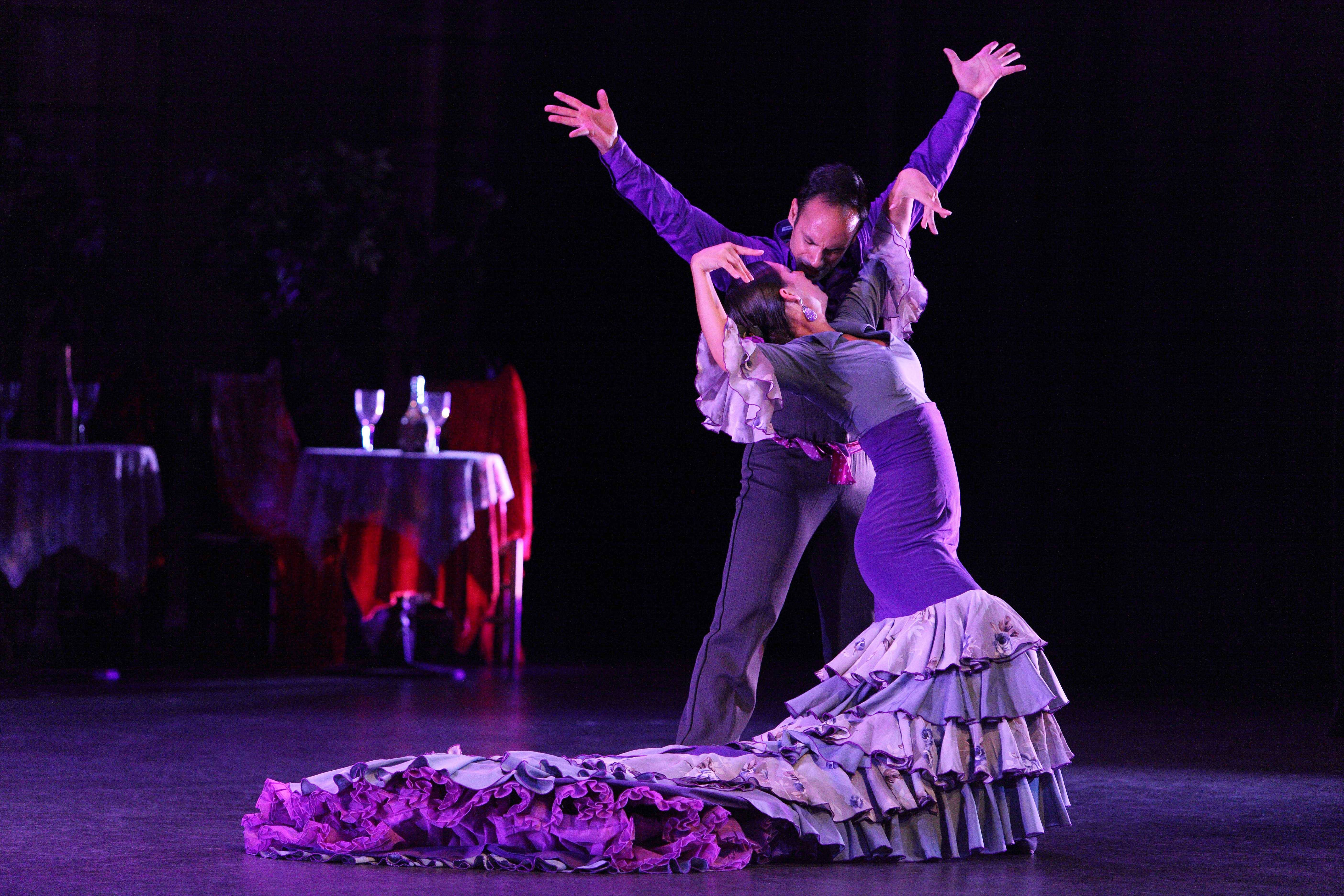 Español Spanish Dance Theater returns to the College of Lake County with its romantic dance moves on Saturday, Sept. 13.