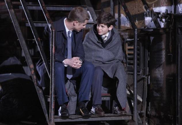 Ben McKenzie and David Mazouz in Gotham