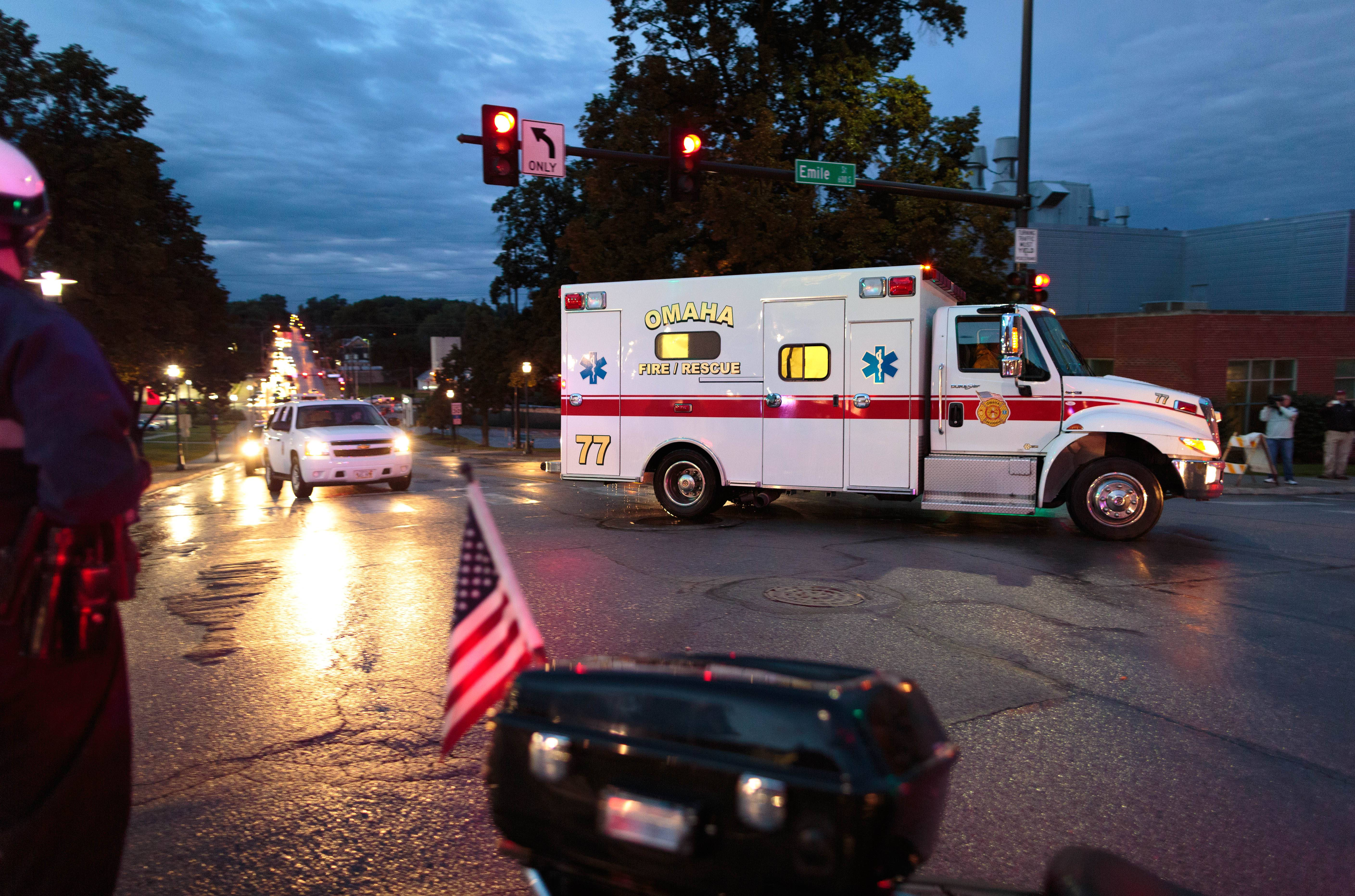 U.S. doctor infected with Ebola arrives in Nebraska