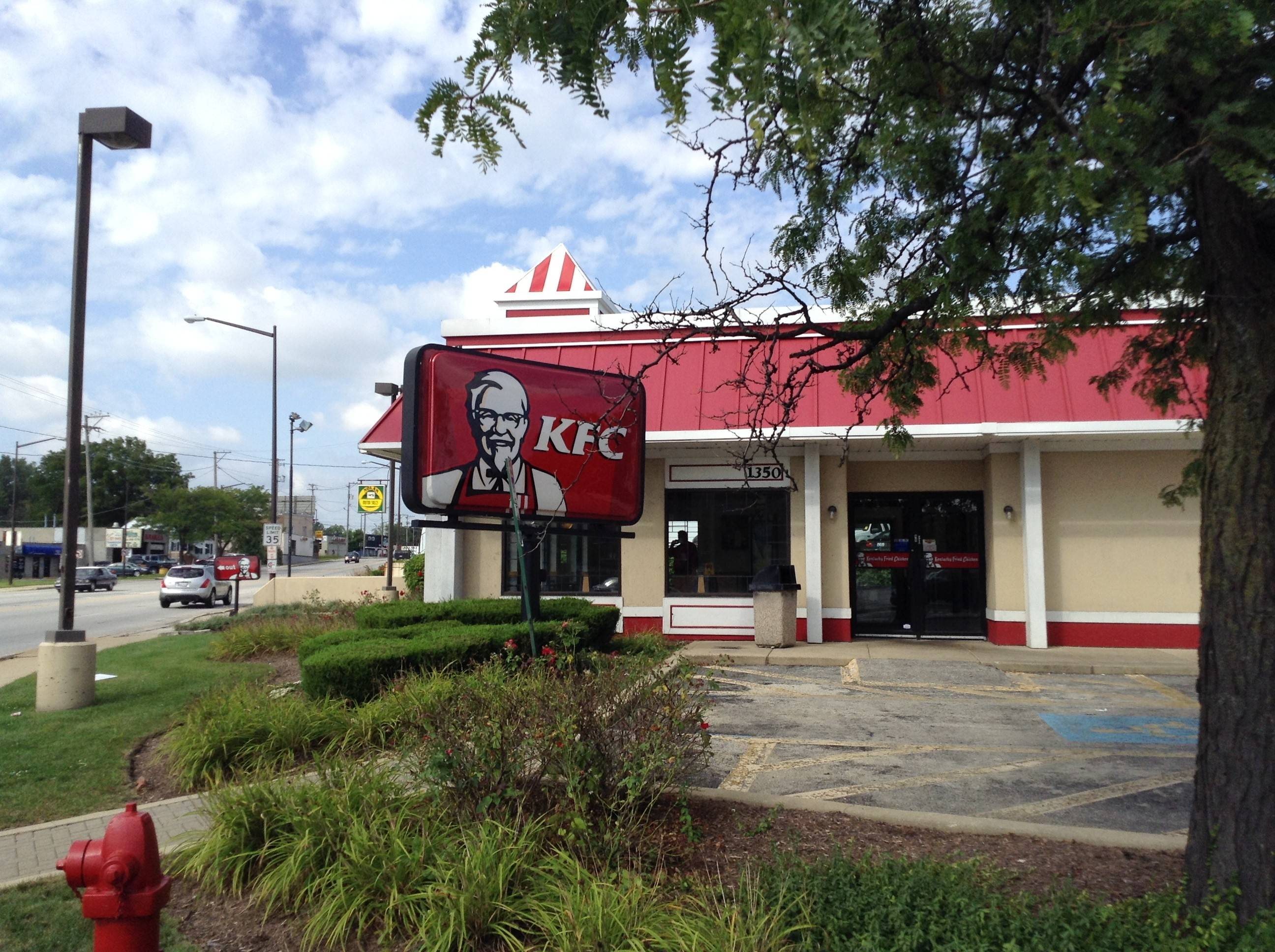 3 Aurora men charged in KFC robbery