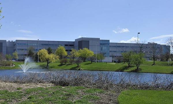 Rosemont firm to market, lease former Motorola site