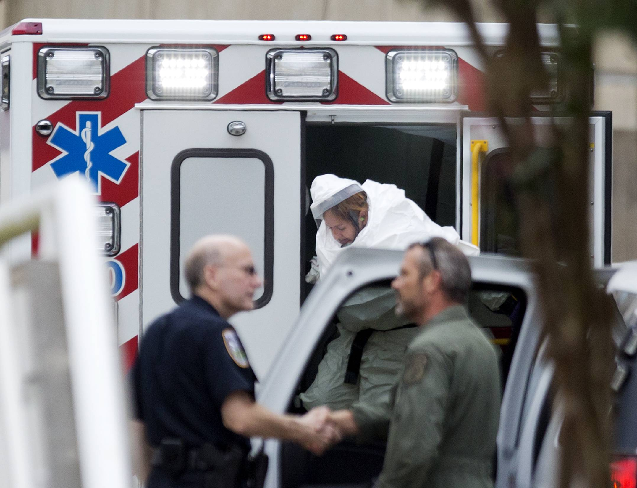 Another US aid worker with Ebola arrives in Atlanta