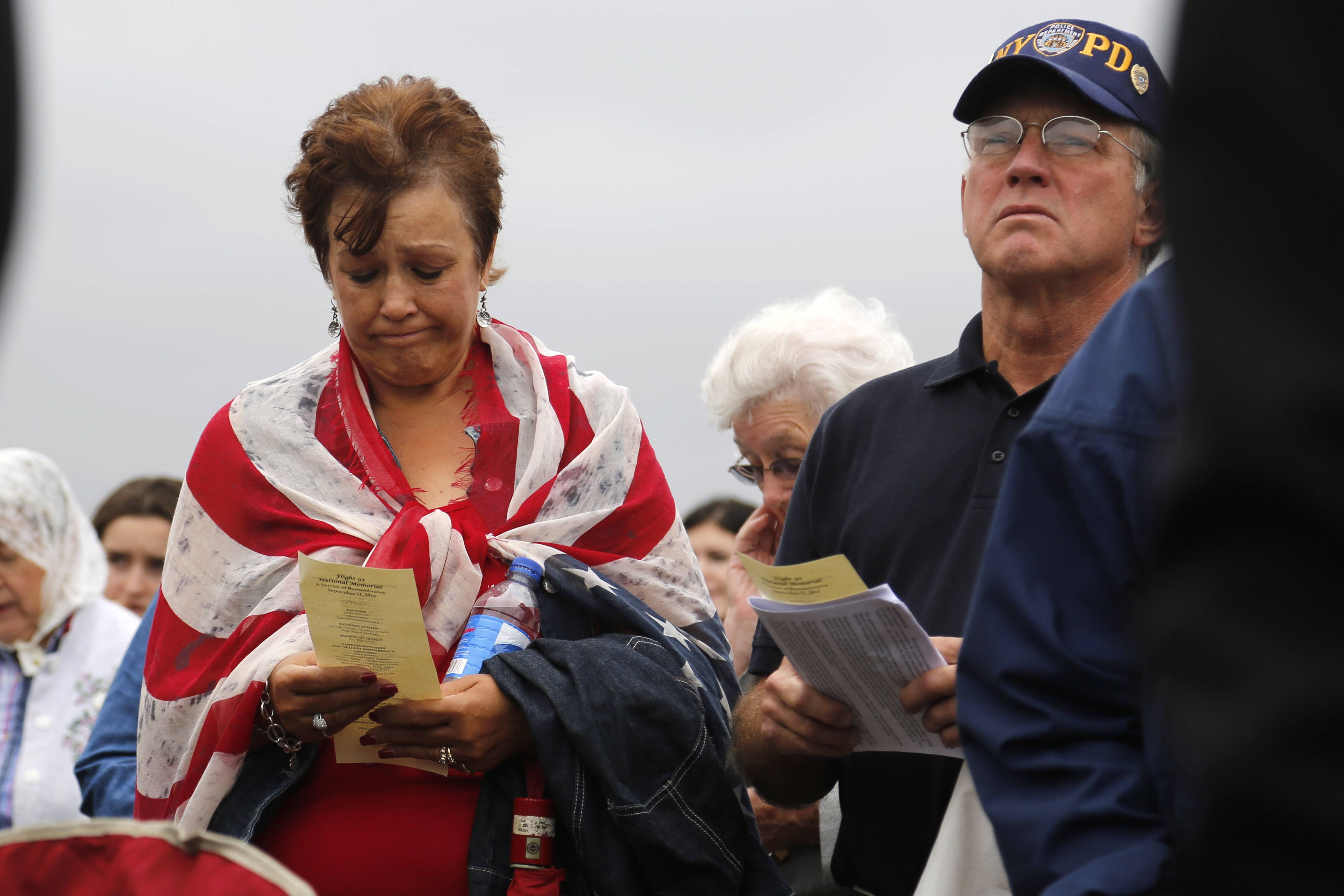 Hastert donates Capitol flag to Flight 93 memorial