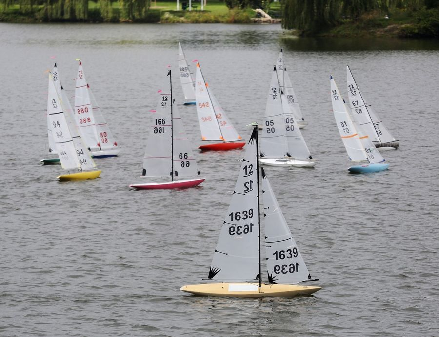 Championship model sailboats compete in Vernon Hills