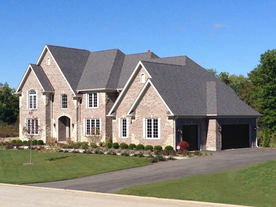 Lexington Homes is building larger, luxury houses at its Woodleaf at The Sanctuary Club in Kildeer.