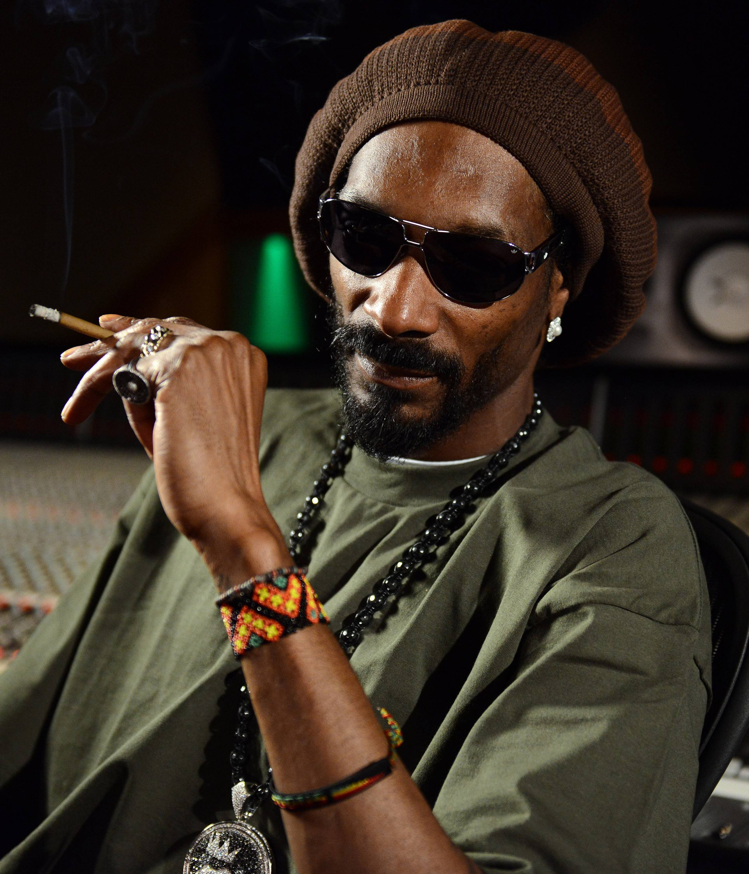 Rapper Snoop Dogg says he'll do a concert in Alaska if voters in November approve an initiative legalizing recreational use of marijuana.