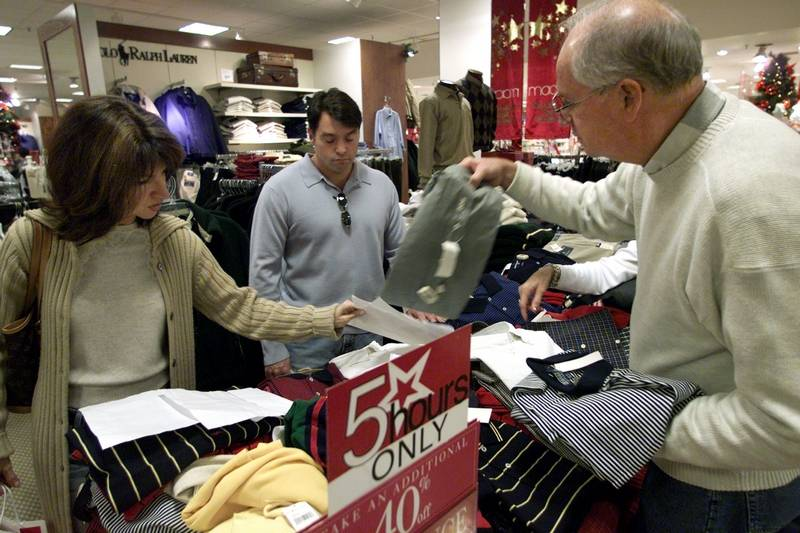 Macy's joins others in a big holiday hiring spree ...