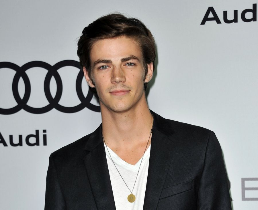 Grant Gustin Suits Up As The Flash In New Series