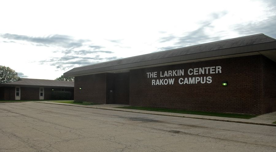 The Elgin Charter School Initiative wants to lease the former Larkin Center school at 515 Sports Way for a new charter school to open next fall.