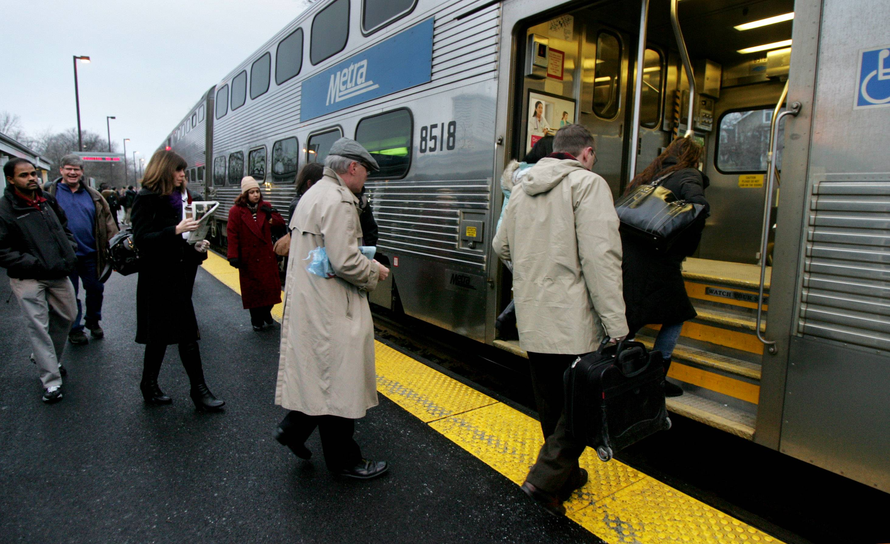 Feds find Metra 'generally compliant' but cite safety issues