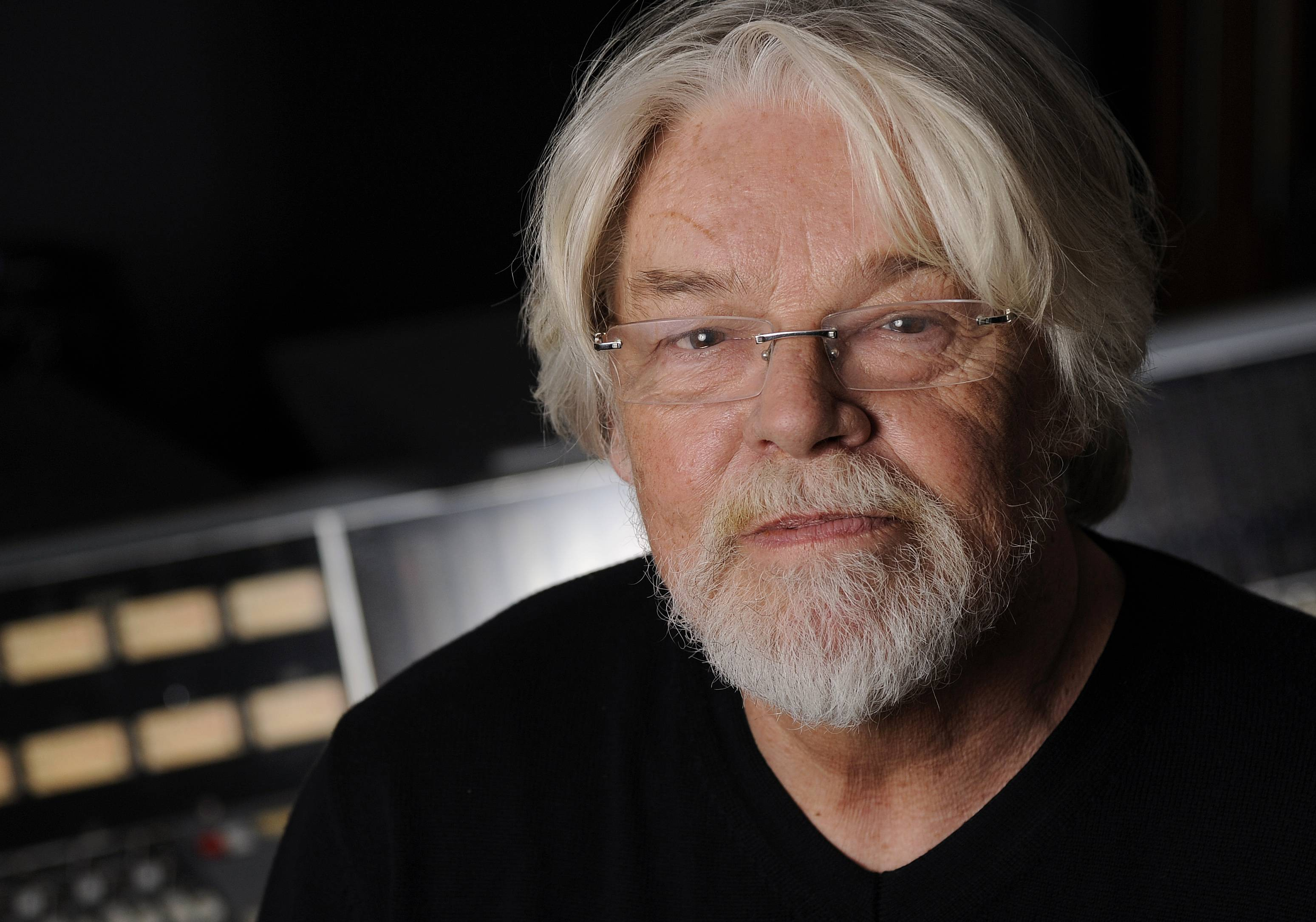 "Bob Seger, who released the album ""Ride Out"" last week, starts a new tour in November. He'll play Chicago's United Center on Dec. 11."