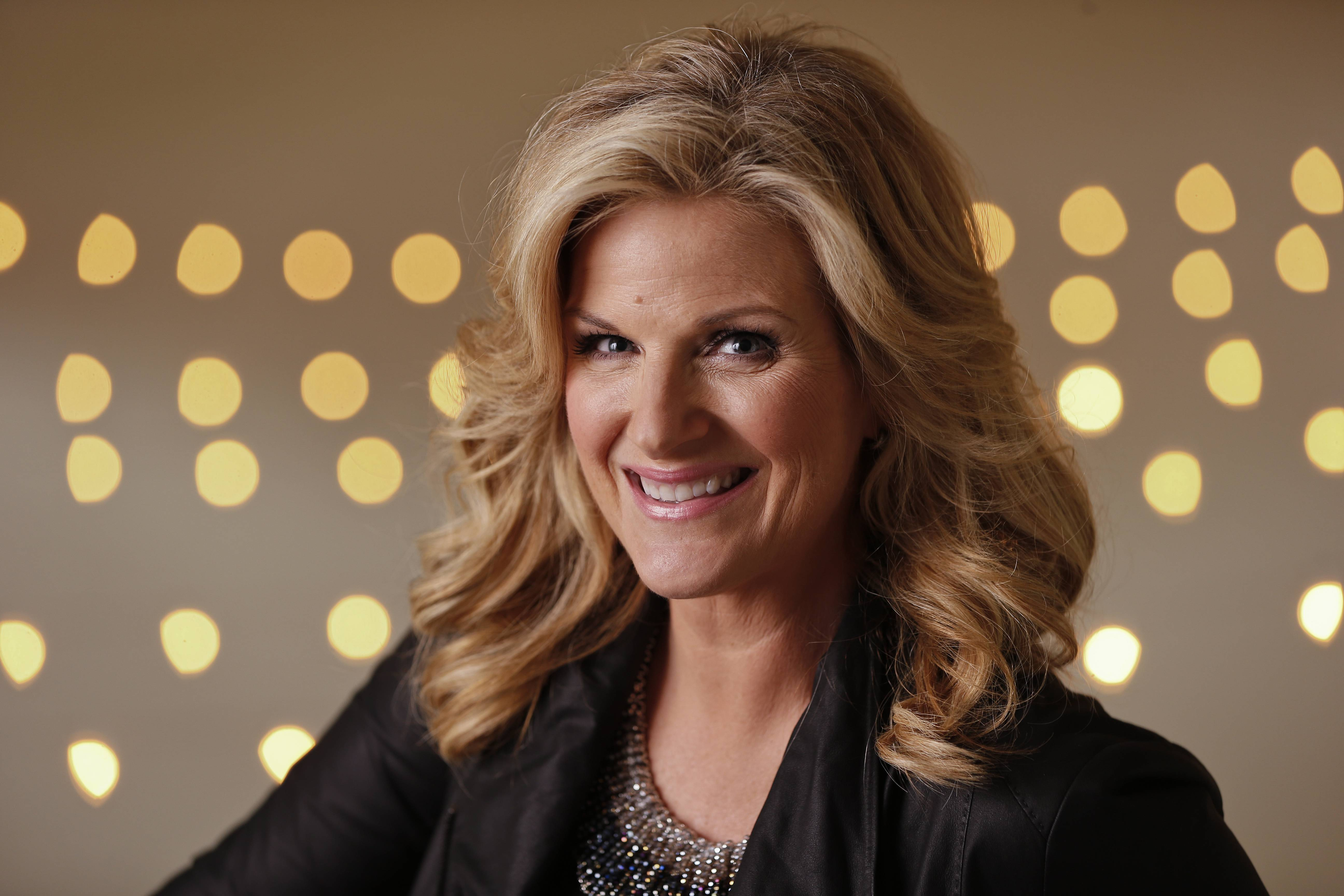 "Trisha Yearwood will sing ""The Star-Spangled Banner"" ahead of Game 1 of the World Series on Tuesday night."