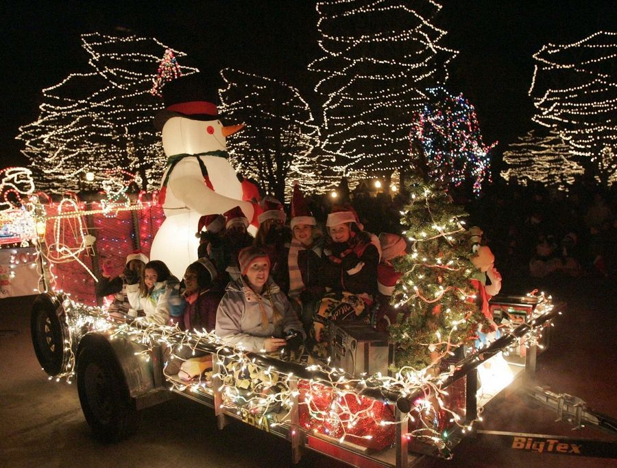 Christmas Homecoming Float.Electric Christmas Parade Entries Due By Oct 24