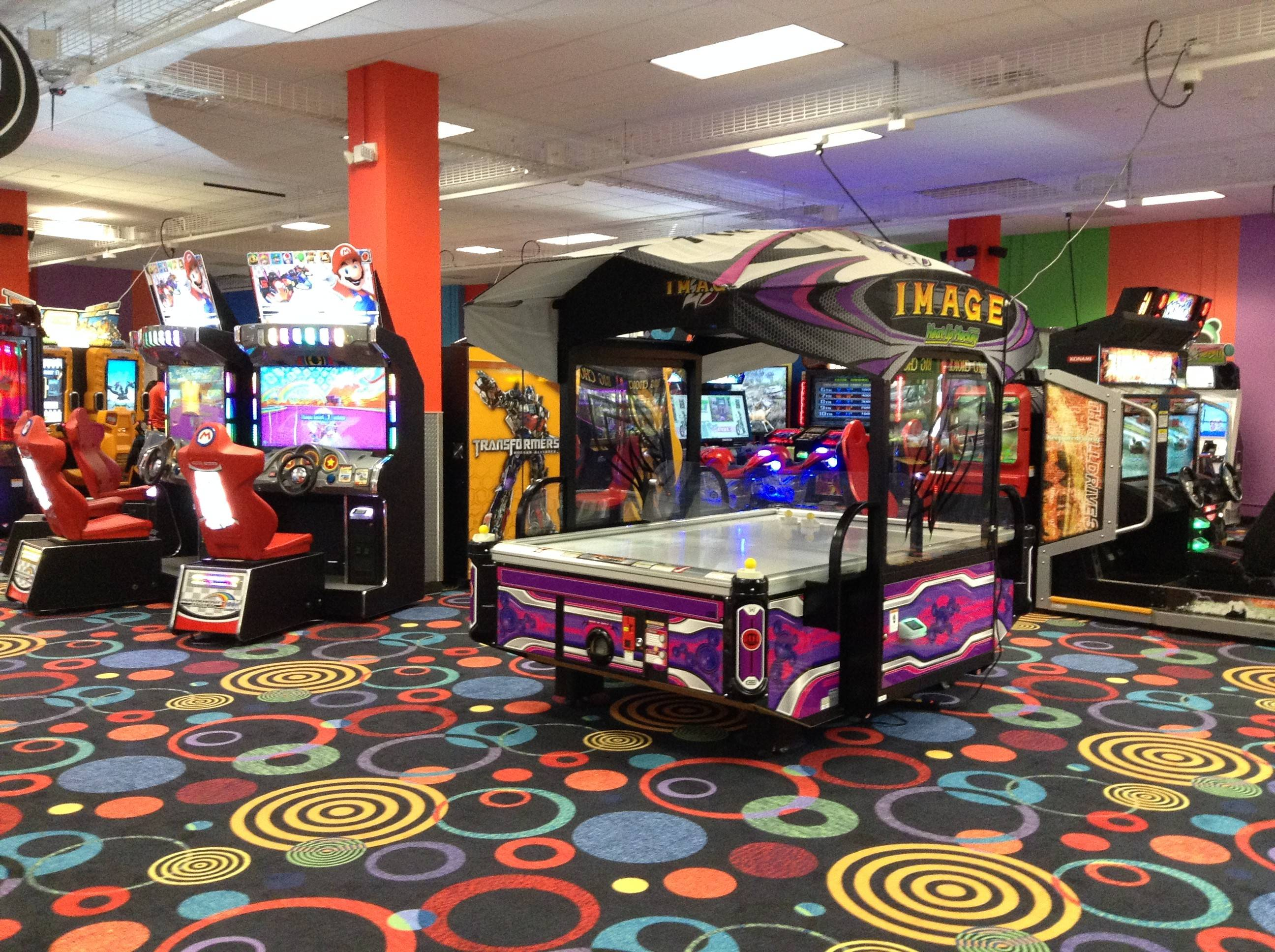Round1 Entertainment Center Opens At Stratford Square