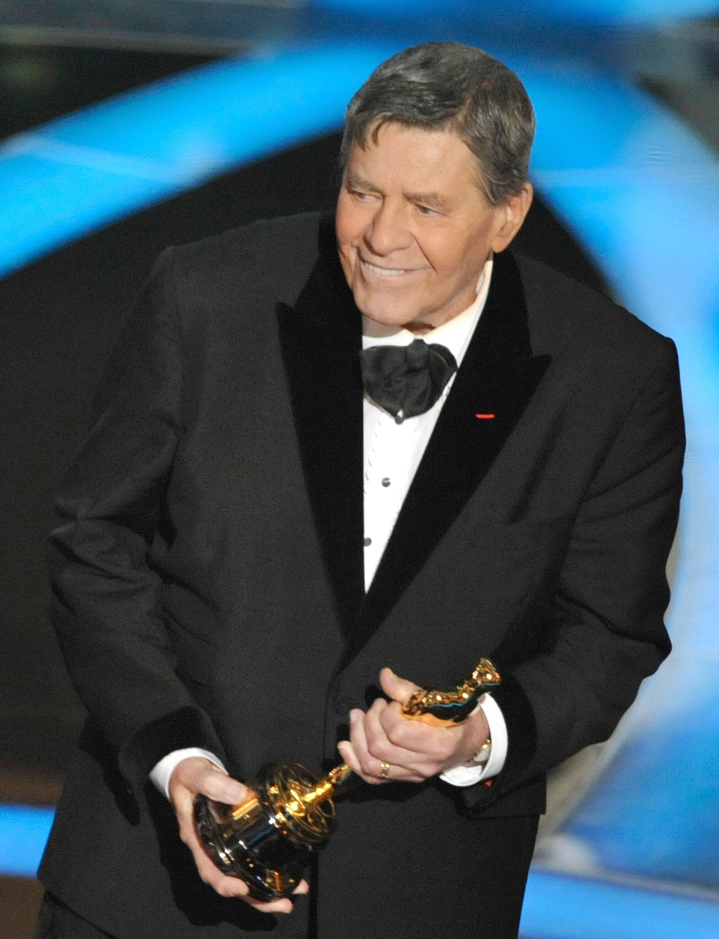 Actor Jerry Lewis accepts the Jean Hersholt Humanitarian Award during the 81st Annual Academy Awards in February 2009.