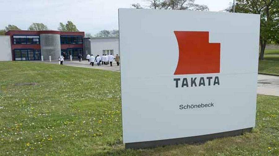 Takata Corp., the Japanese parts maker at the center of a global auto-safety crisis, knew at least as early as 2001 of manufacturing defects that could lead its air bags to explode, U.S. drivers claimed in lawsuits.