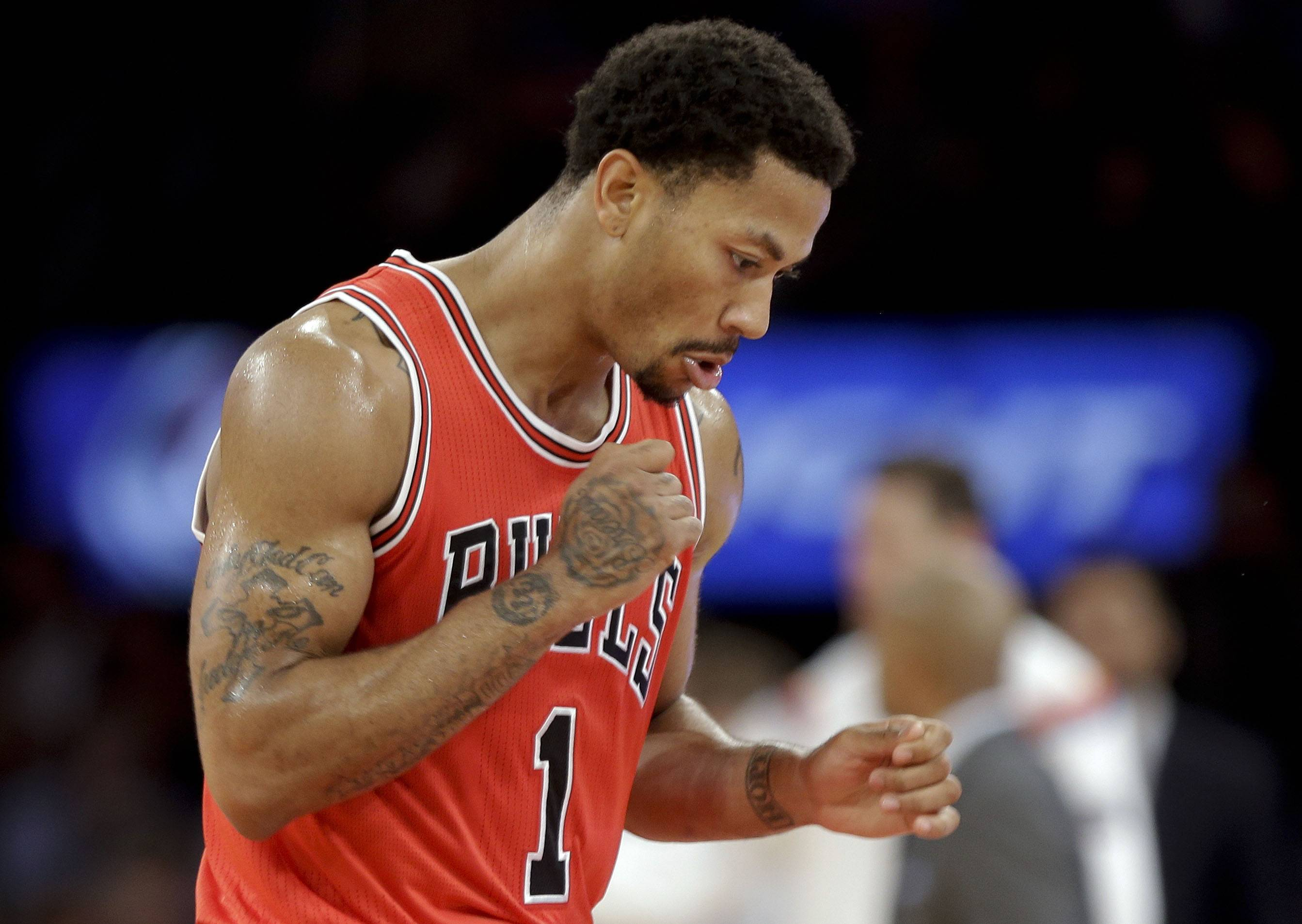 Chicago Bulls' Derrick Rose reacts to a play during the second half of Bulls 104-80 win over the Knicks Wednesday in New York.