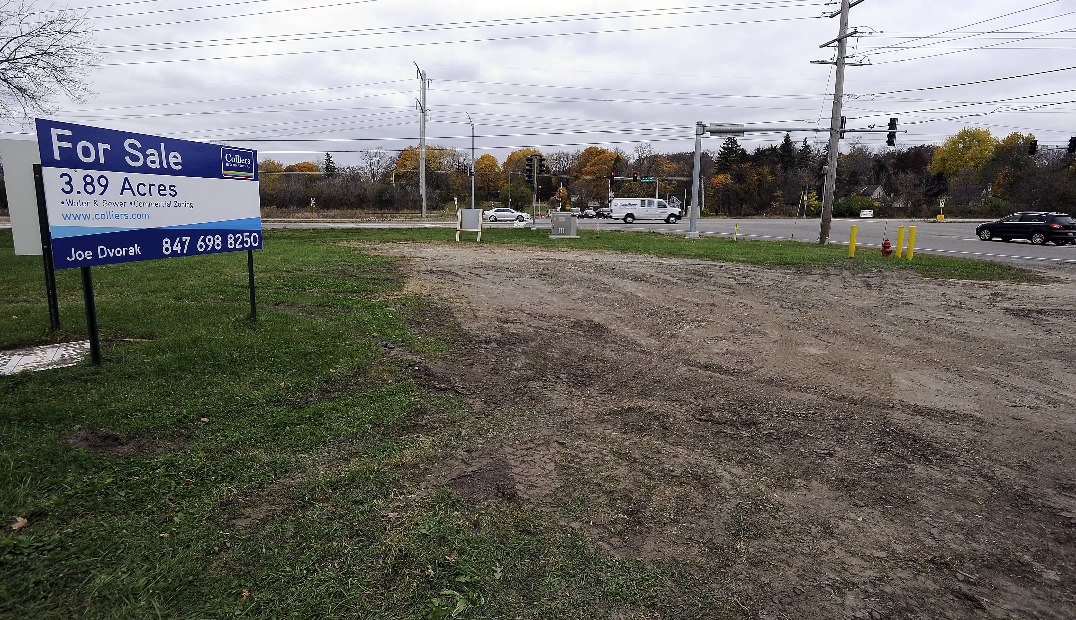 Lake Barrington planners recommend gas station