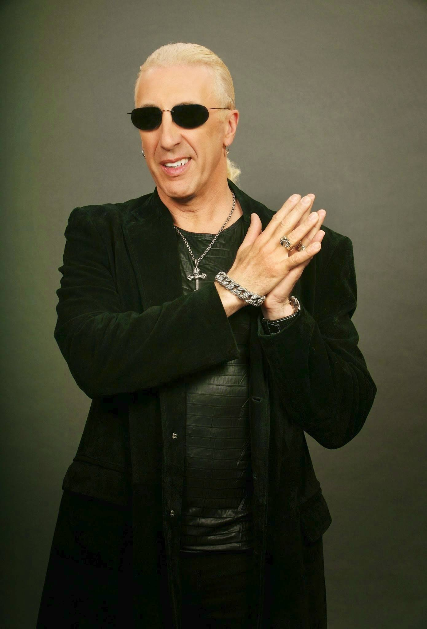 "Dee Snider writes and stars in ""Dee Snider's Rock & Roll Christmas Tale,"" which has its world premiere in Chicago at the Broadway Playhouse at Water Tower Place starting Tuesday, Nov. 4."