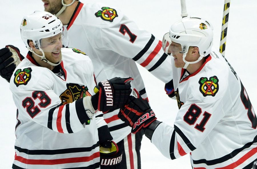 Marian Hossa (81) scored his 1,000 point in the NHL in Ottawa, Ontario, on Thursday against the Senators. He became the 80th player in NHL history to reach that mark.