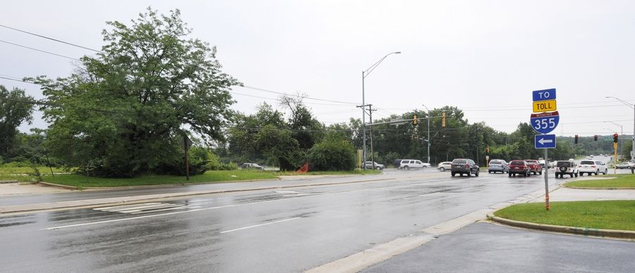 Years ago, there was a gas station on the northeast corner of Butterfield Road and Route 53 near Glen Ellyn. Now Butterfield Park District is seeking a tax increase to raise enough money to purchase the now-vacant site so it can't be developed.