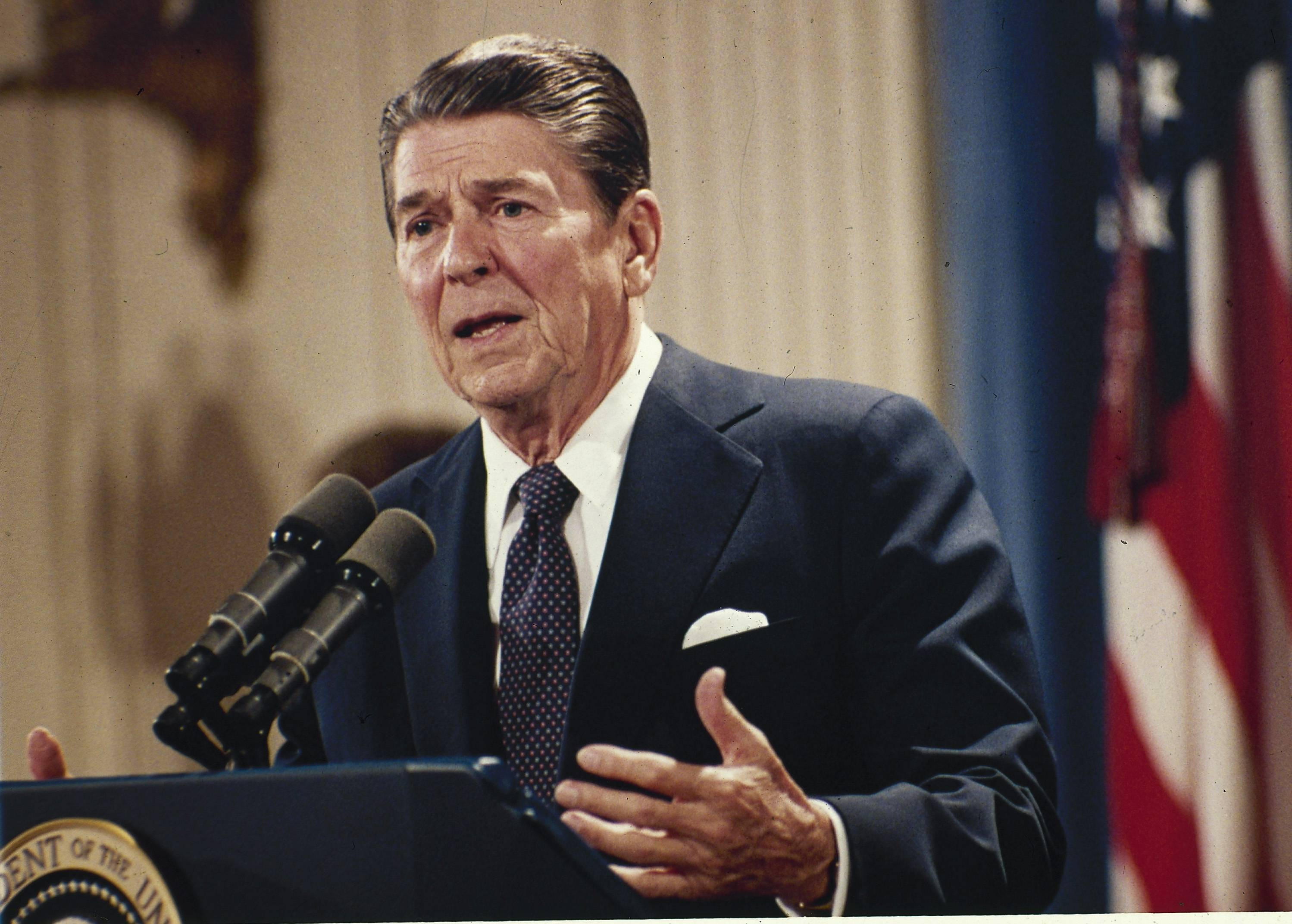 Ronald Reagan - Presidential style and leadership