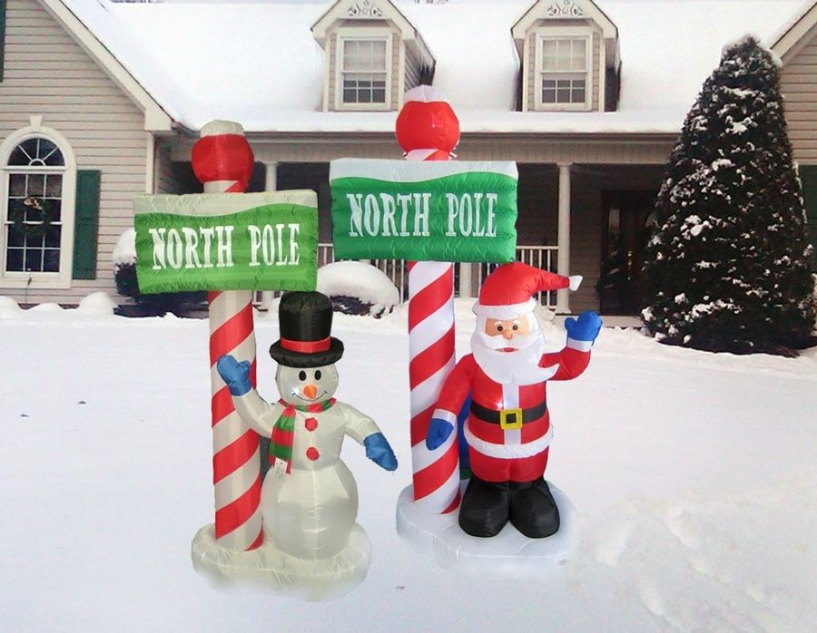 Christmas Business Decorations.Holiday Decorating Is Their Business