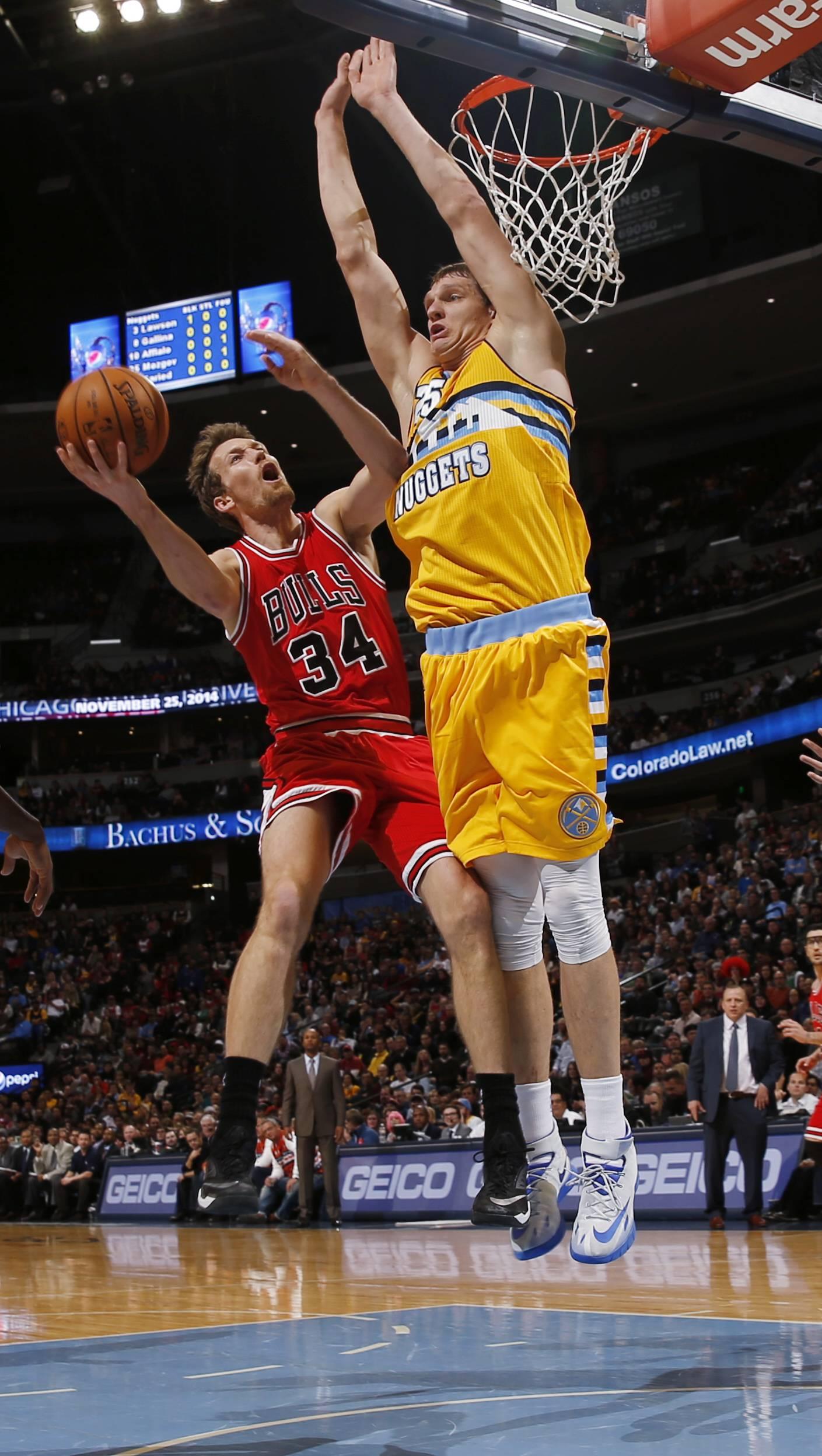 Derrick Rose plays just 10 minutes, Bulls lose
