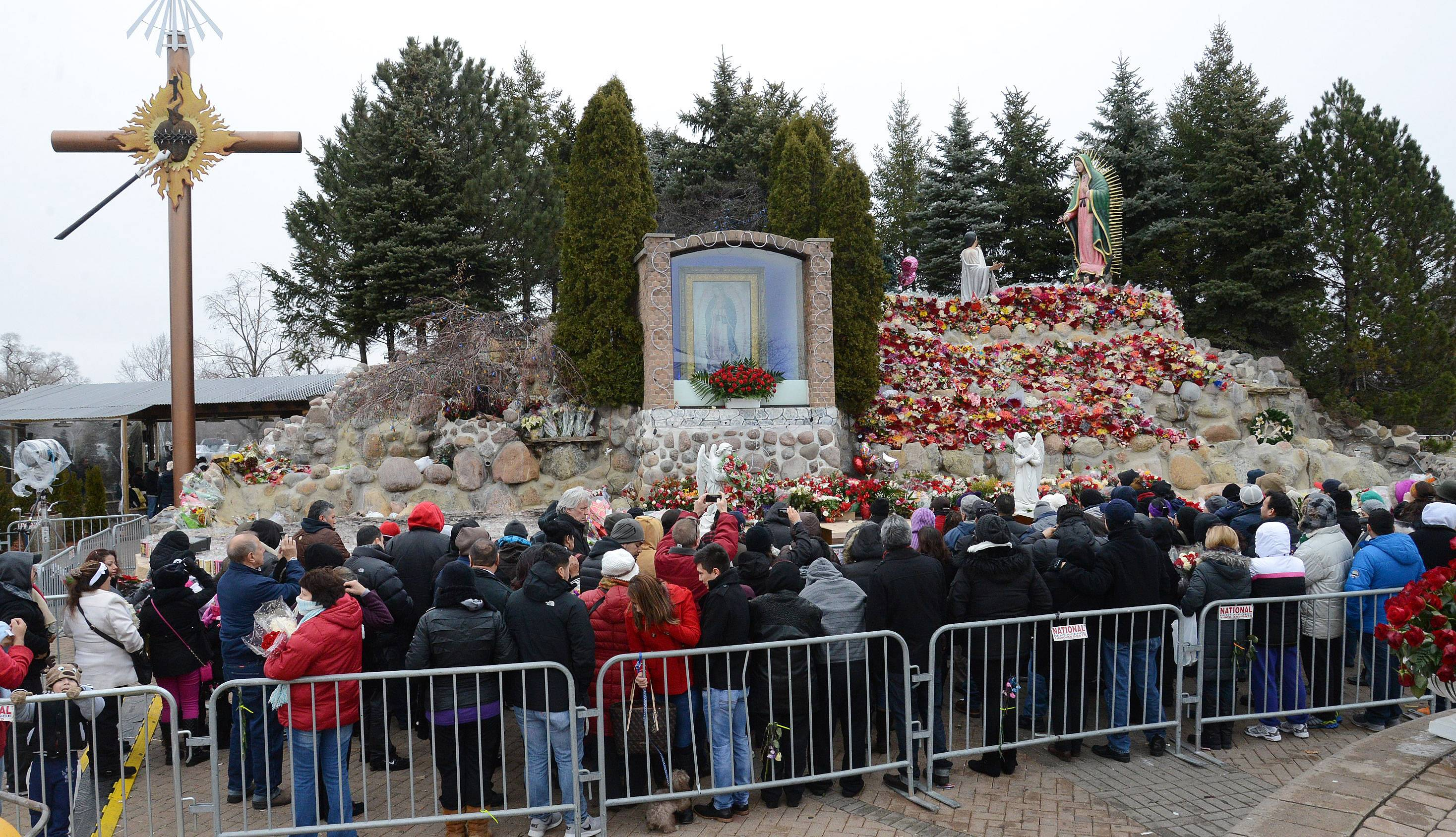 Guadalupe celebration draws Cupich, 140,000 to Des Plaines
