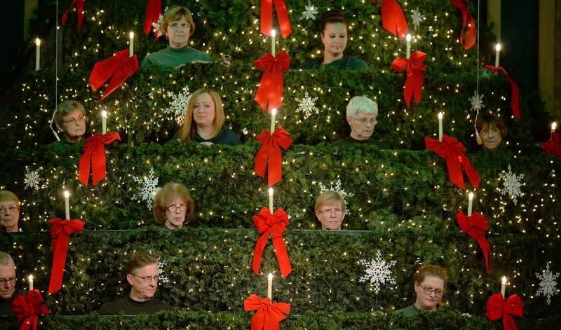 Mt. Prospect Church Choir Performs In A Christmas Tree