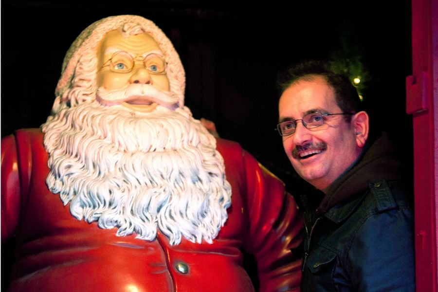 Crazy For Christmas.Crazy For Christmas Naperville Man May Be