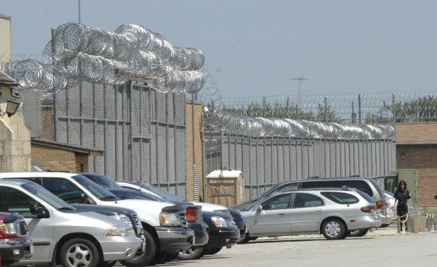 Prison watchdog group: Overcrowding worse after closing Dwight