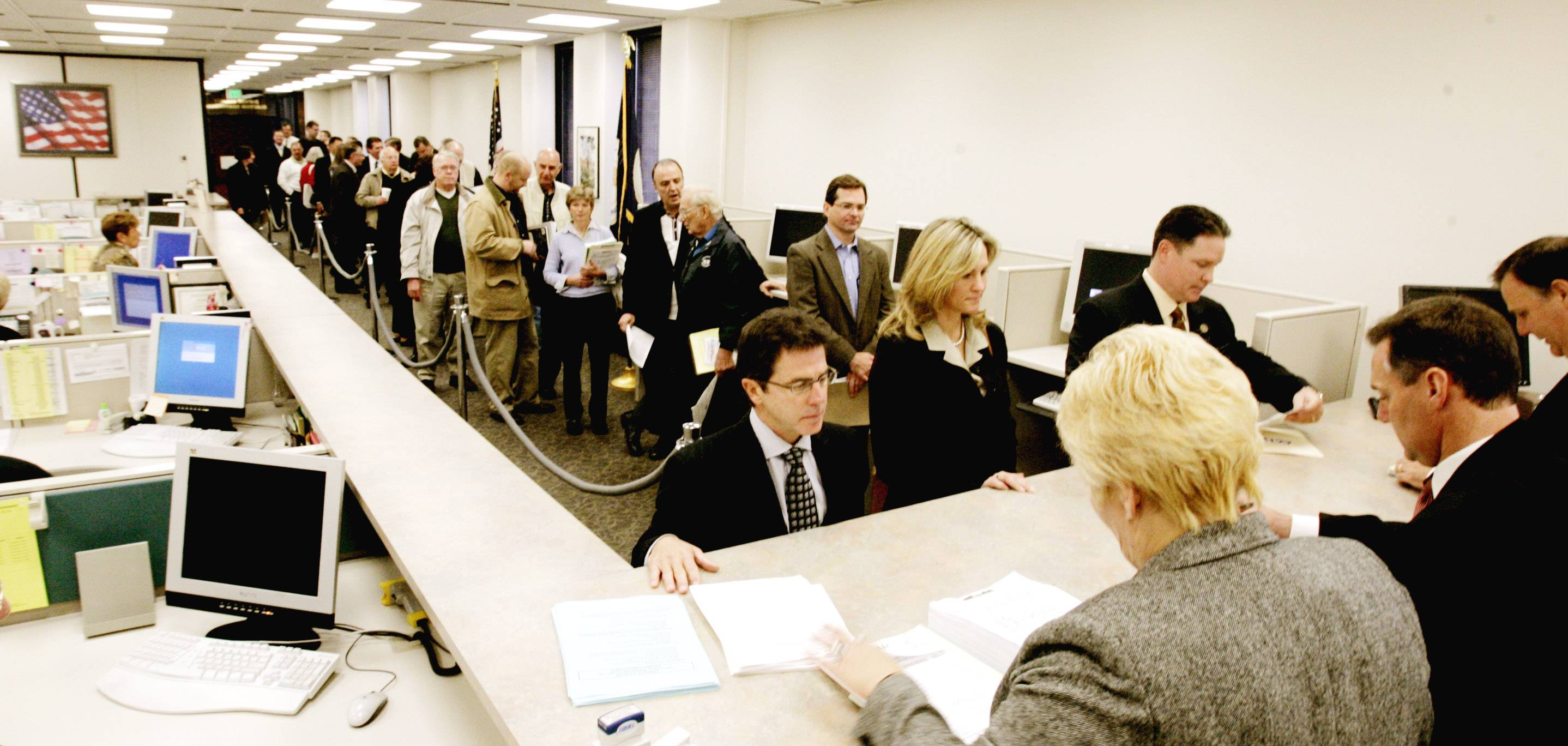 The long lines that historically form at county clerk's offices and election commissions when candidates file nomination papers for even-year elections are expected to happen on Monday morning when school board members file at those locations for the first time.