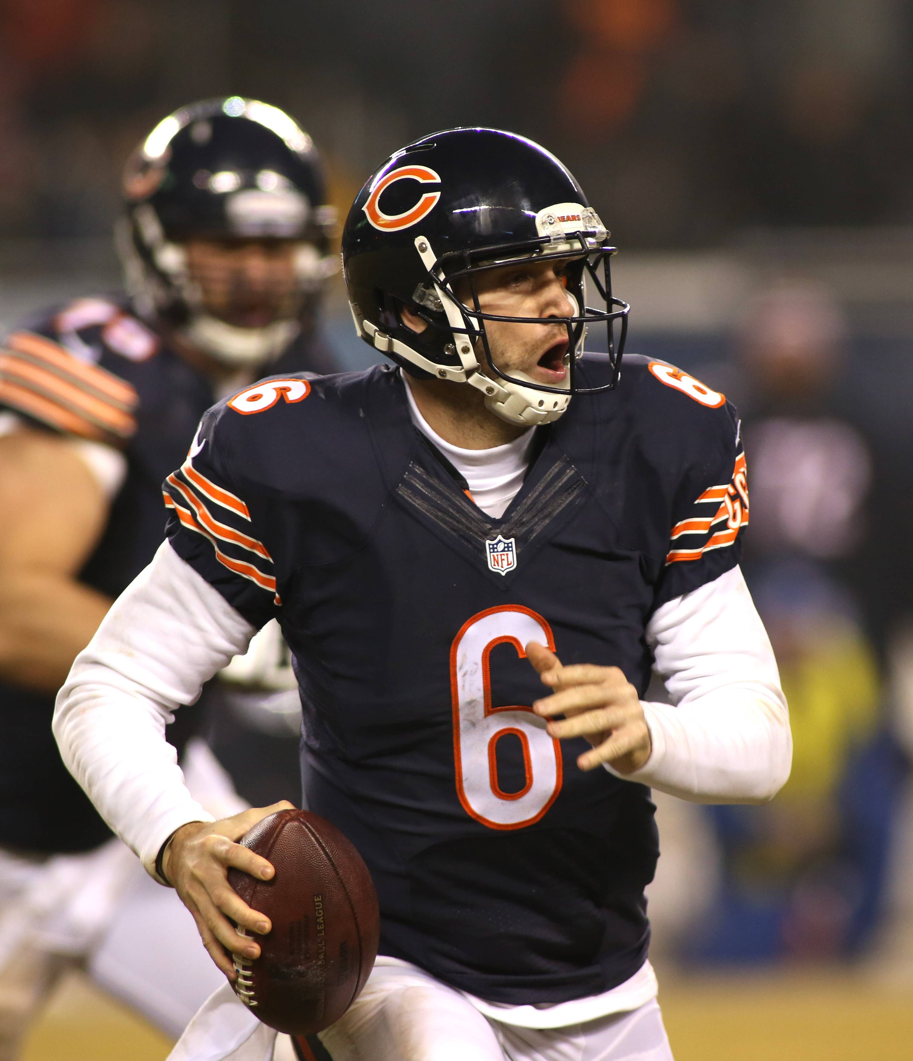 Rozner: Bears' Cutler doing what he does best