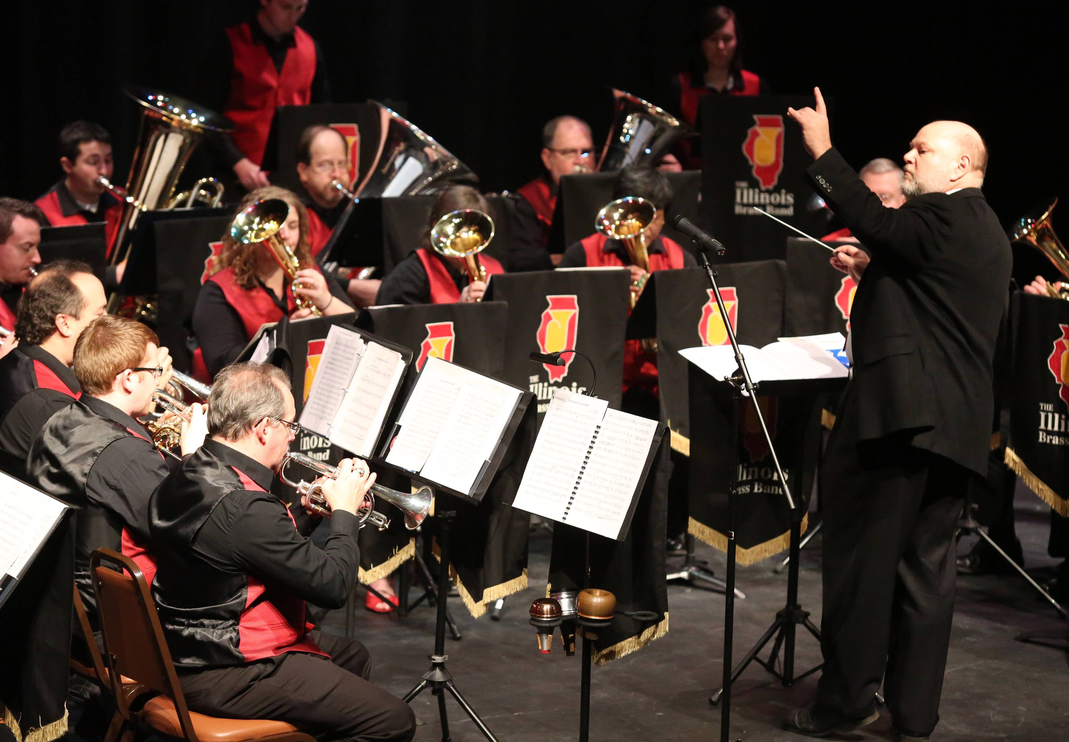 The Illinois Brass Band, directed by Stephen Squires, who also conducts the Elgin Symphony Orchestra, will perform in St. Charles on Saturday.