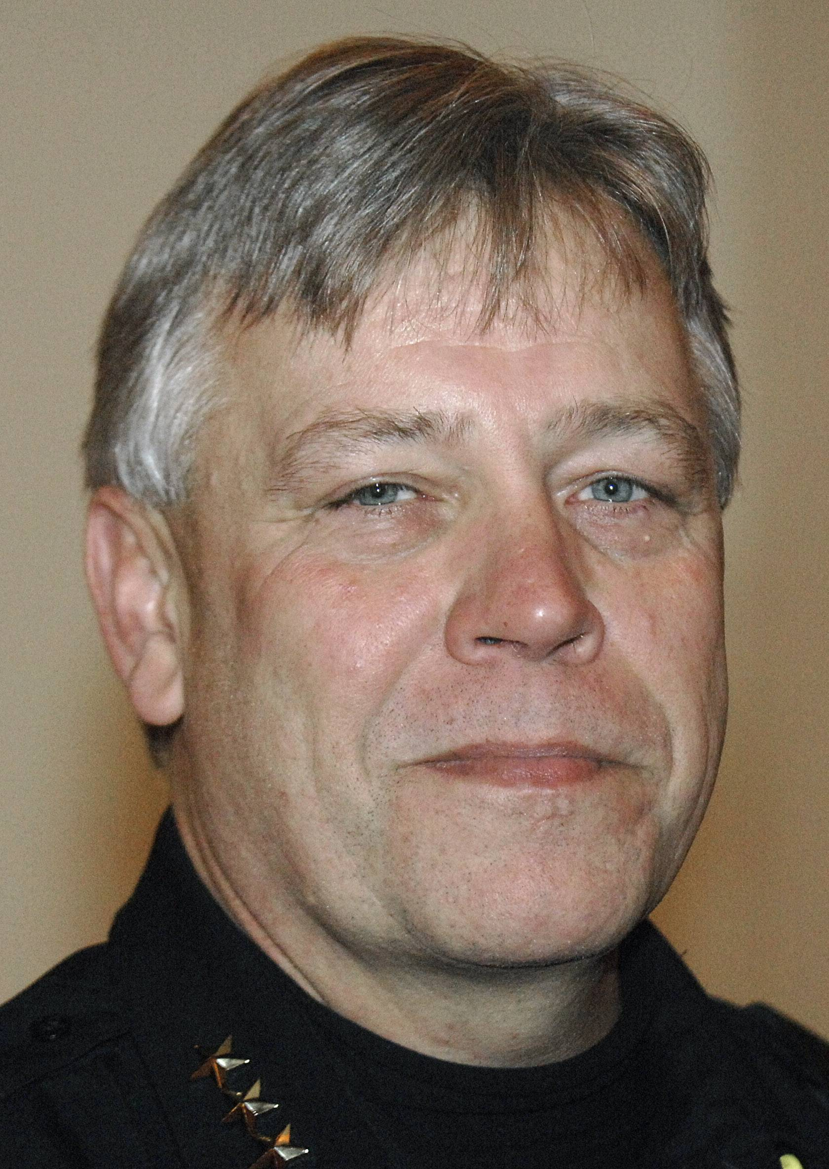Campton Hills leader explains why police chief should go