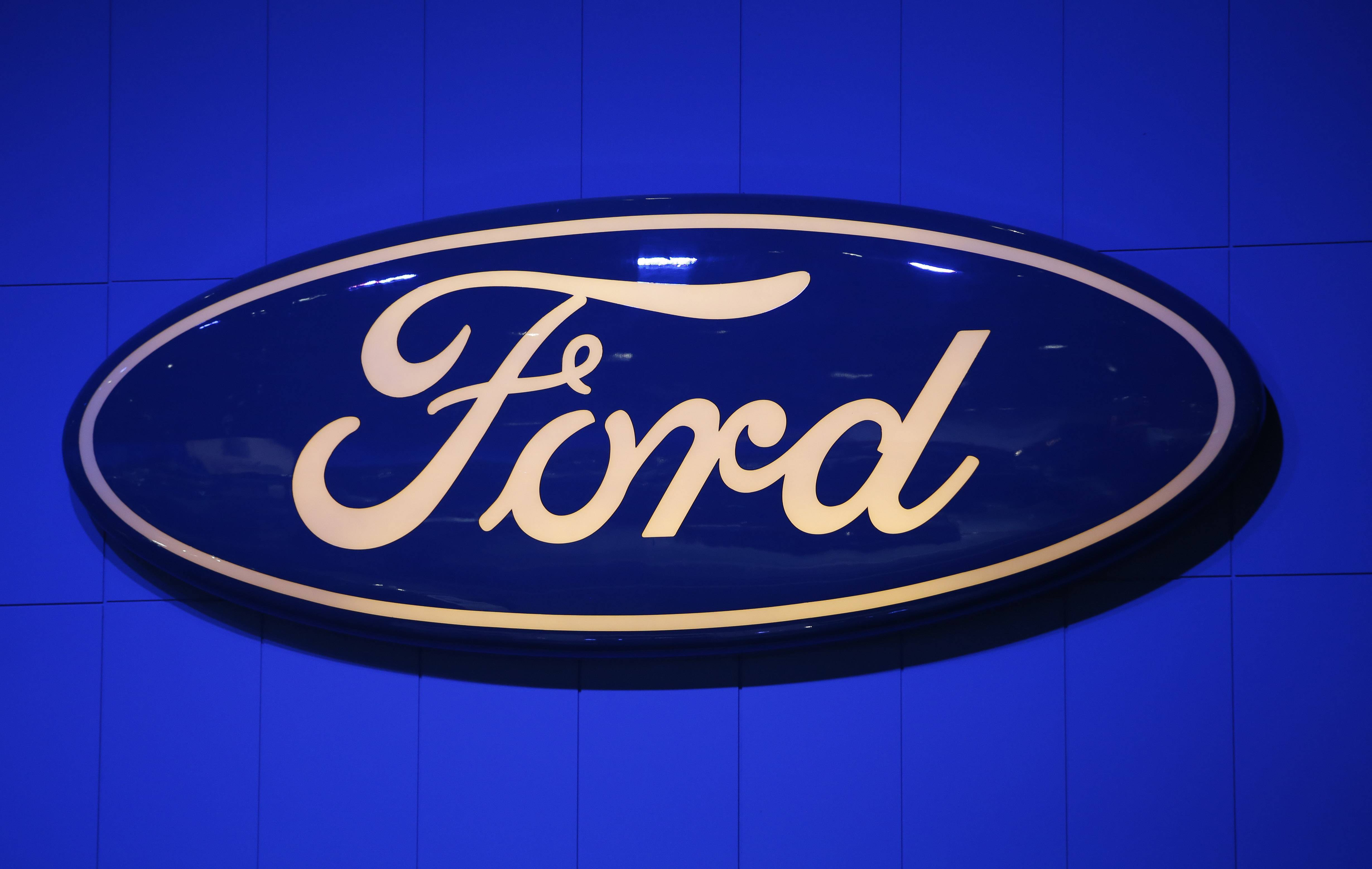 Ford expands driver's-side air bag recall nationwide