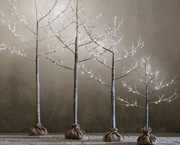 washington dc designer joseph ireland keeps a restoration hardware starlit tree up for months