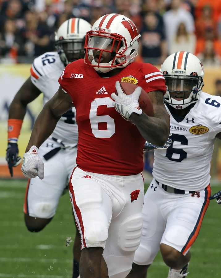new arrival c4a5a 69ca1 Outback Bowl: Gordon leads Wisconsin past Auburn