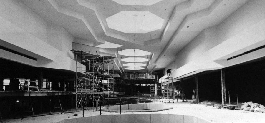 Crews work on the final stages of Woodfield Mall on April 9, 1971. The major renovation planned for 2015 won't be the first in the mall's 44 years.