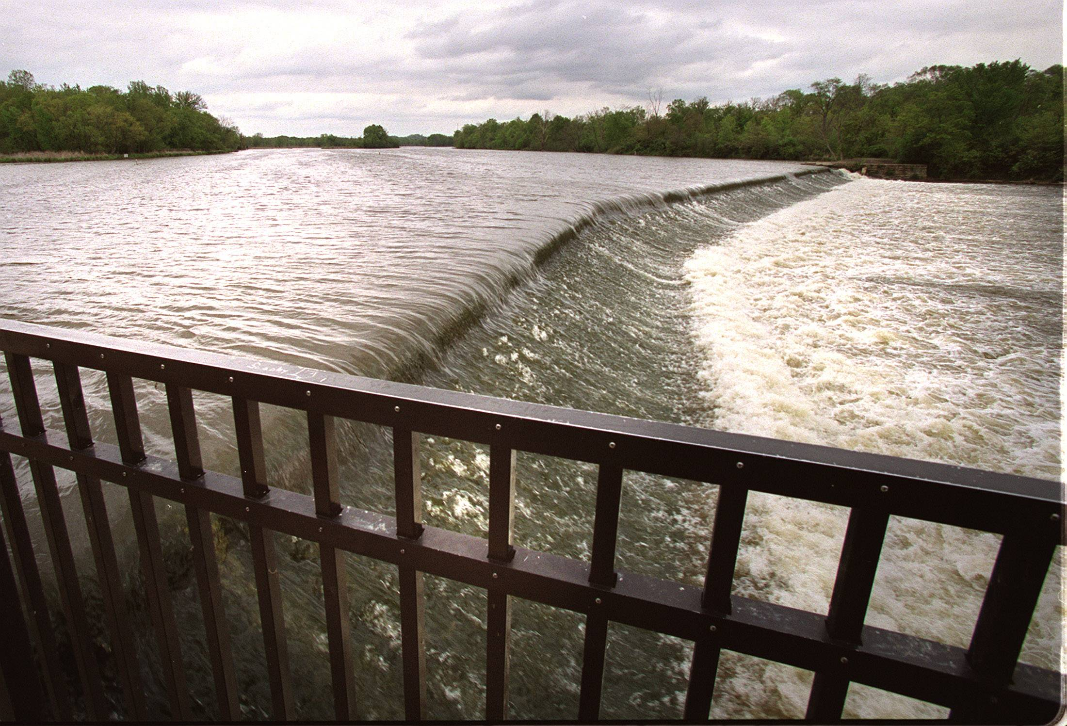 Forest preserve district OKs Carpentersville dam removal study