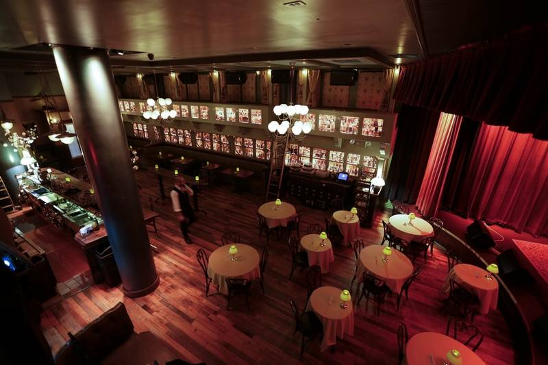 Go for the food: Old-fashioned whiskey pub crawl